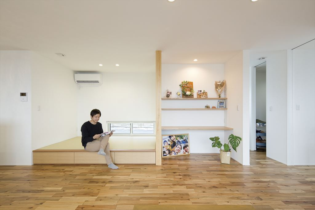 畳スペース 小上がり 地窓